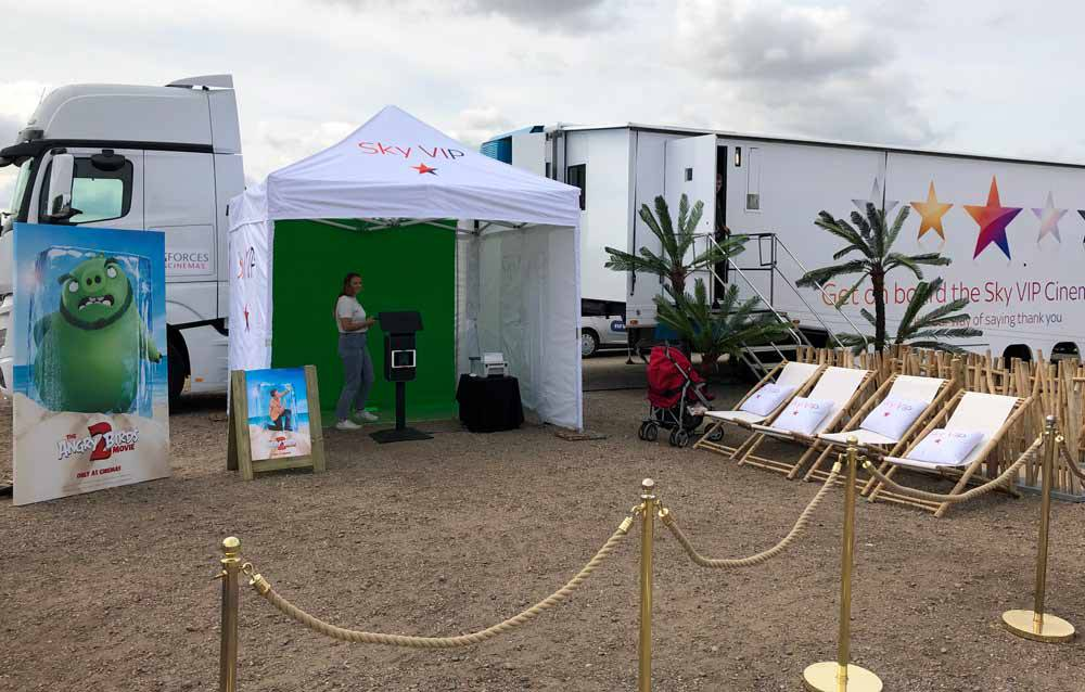 outdoor green screen system with prints and social sharing